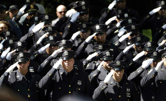 Police-Lives-Matter-Rallies-In-The-United-States-Cheer-On-The-NYPD-With-Blue-Lives-Matter